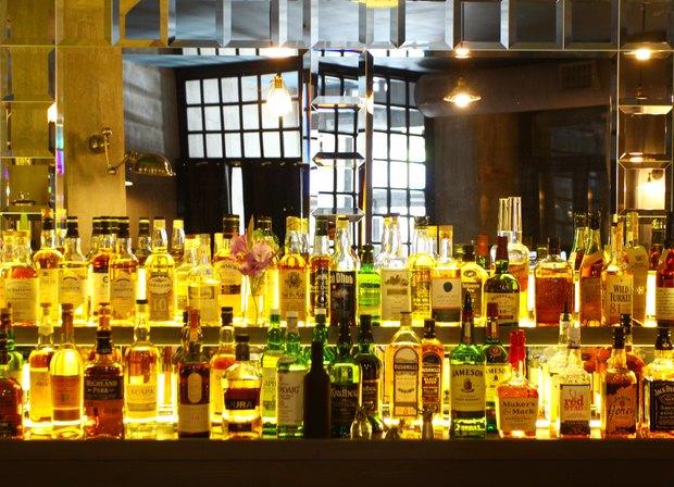 Создатель Achtung Baby открыл бар на Жуковского. Изображение № 3.