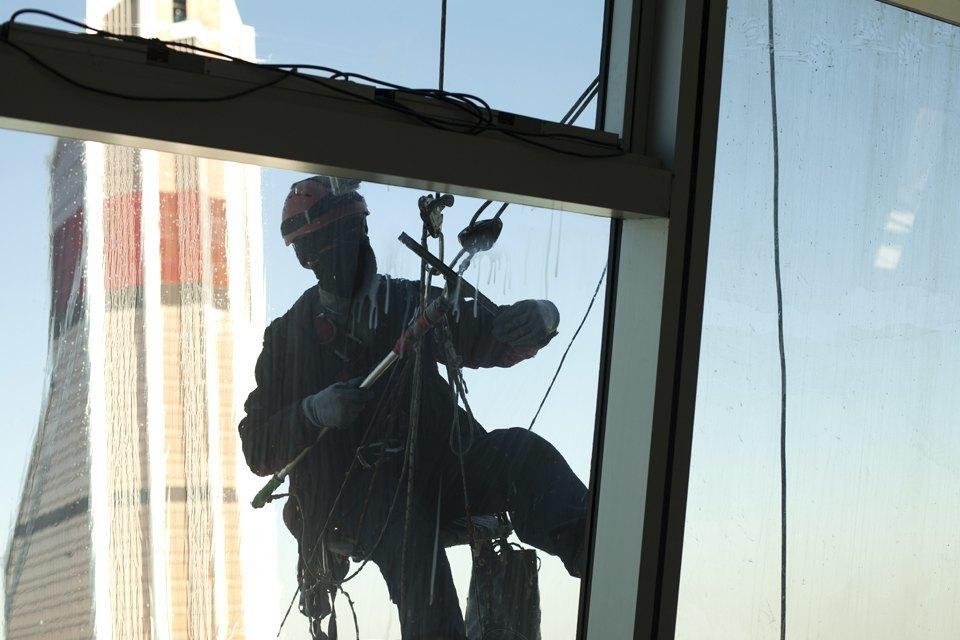 Как моют окна насмотровой площадке «Москва-Сити». Изображение № 8.