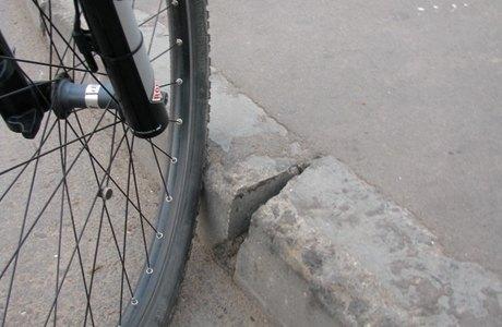 Блогеры раскритиковали велодорожку вдоль Ярославского шоссе . Изображение № 2.