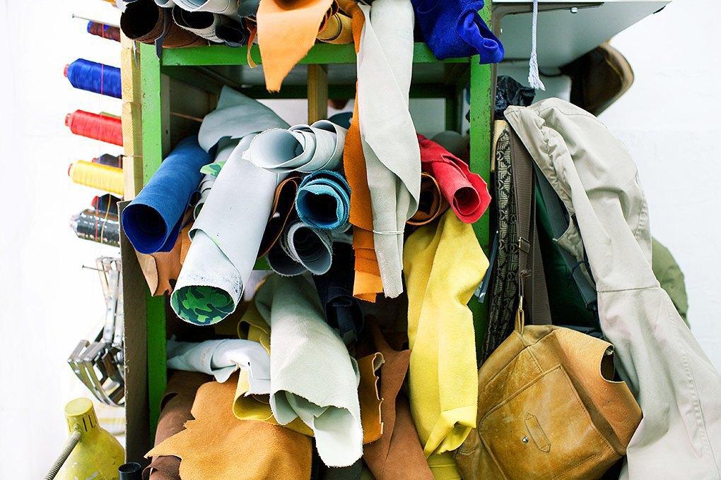 По мерке: Разноцветные ботинки приносят мастерской Afour полсотни заказов в месяц. Изображение № 6.