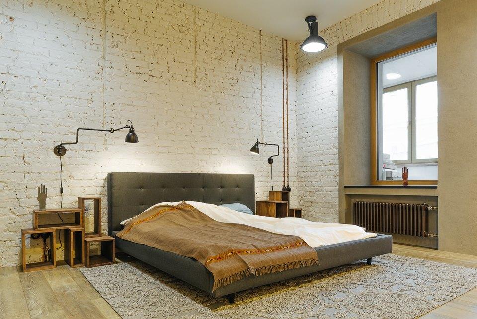 Четырёхкомнатная квартира наОстоженке скрасным холодильником и медными трубами. Изображение № 10.
