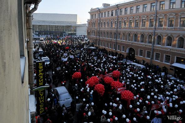 Фоторепортаж: Шествие за честные выборы в Петербурге. Изображение № 3.
