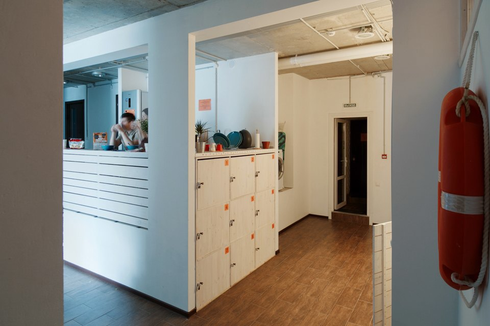 Хостел на«Белорусской» сномерами-каютами идвухэтажной двуспальной кроватью. Изображение № 19.