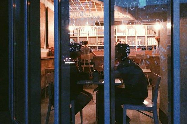 Меню Shake Shack, роллы с местной рыбой в «Свои люди», кафе Ламберти в Aizel. Изображение № 20.