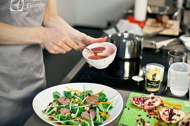 Шеф дома: Ростбиф-салат и тыквенная каша Мириам Сехон. Изображение № 65.