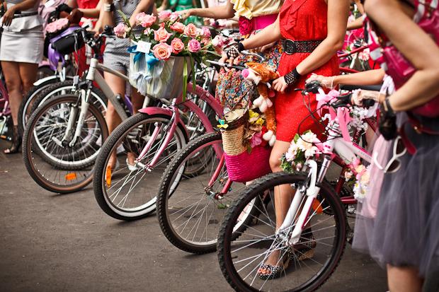 Люди в городе: Участницы парада «Леди на велосипеде». Изображение № 3.