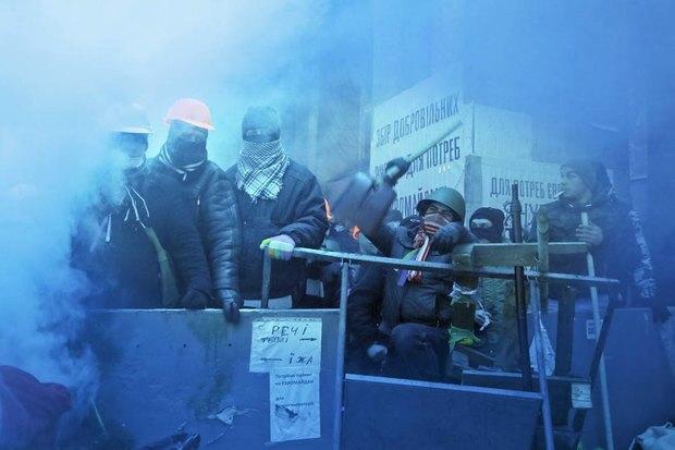 Работа со вспышкой: Фотографы — о съёмке на «Евромайдане». Изображение № 15.
