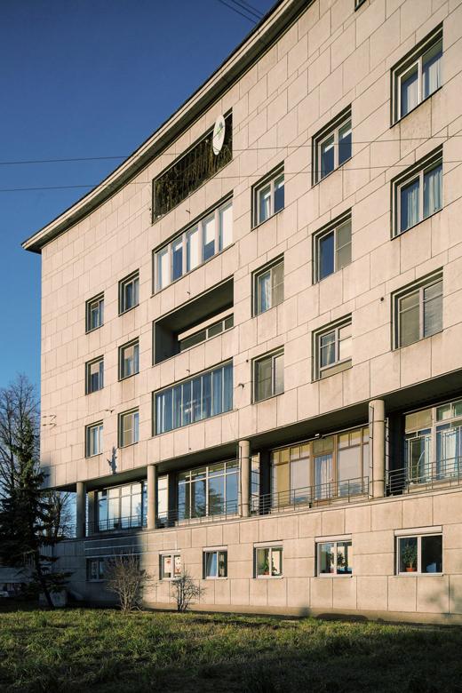 Как живётся всамых необычных домах Москвы иПетербурга. Изображение № 8.