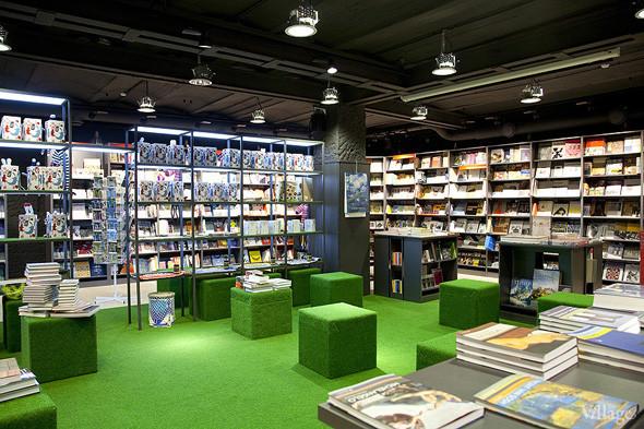 На «Винзаводе» открылся новый книжный магазин «Артбукса». Изображение № 11.