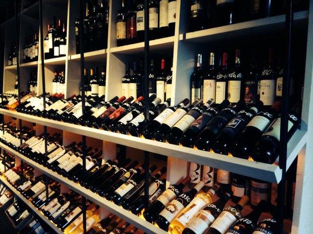 Марко Черветти открыл винный магазин наКомсомольском проспекте. Изображение № 1.