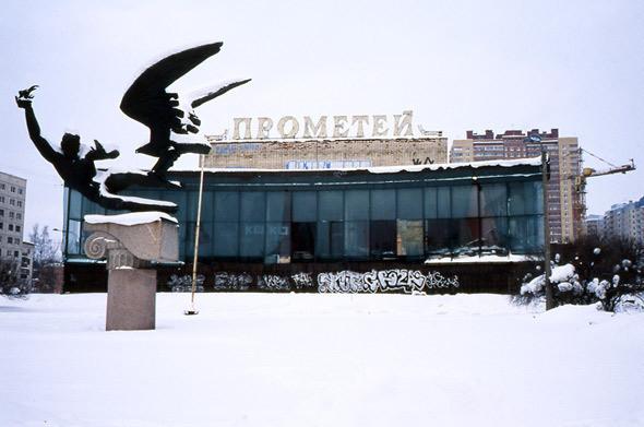 Изображение 3. На последнем дыхании: пустующие кинотеатры Петербурга.. Изображение № 5.