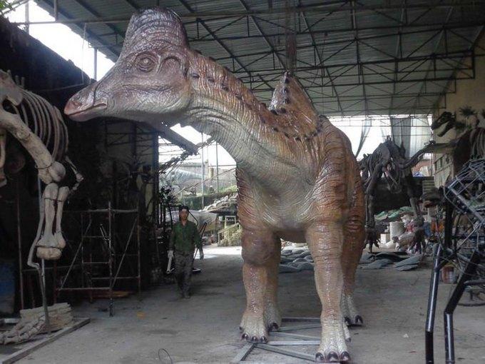 В Дарвиновский музей привезут гигантскую фигуру амурозавра. Изображение № 1.