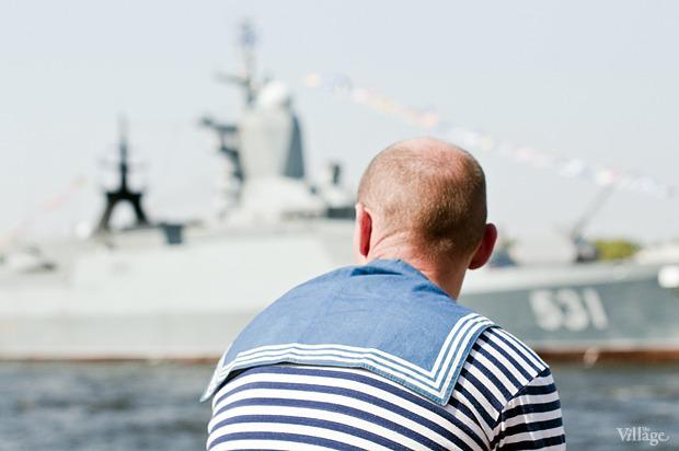 Фоторепортаж: День Военно-морского флота в Петербурге. Изображение № 28.