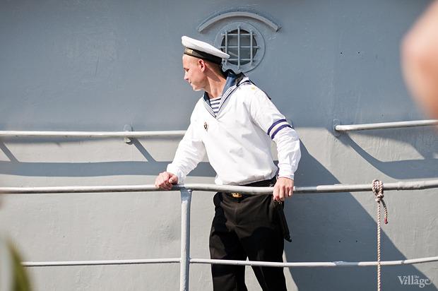 Фоторепортаж: День Военно-морского флота в Петербурге. Изображение № 39.
