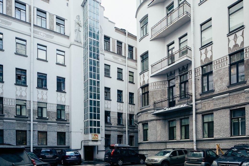 Самые удивительные дворы Петербурга. Изображение № 30.