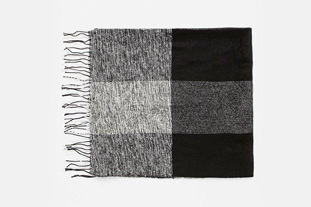 Где купить женский шарф: 9вариантов от 1300до 14тысяч рублей. Изображение № 3.