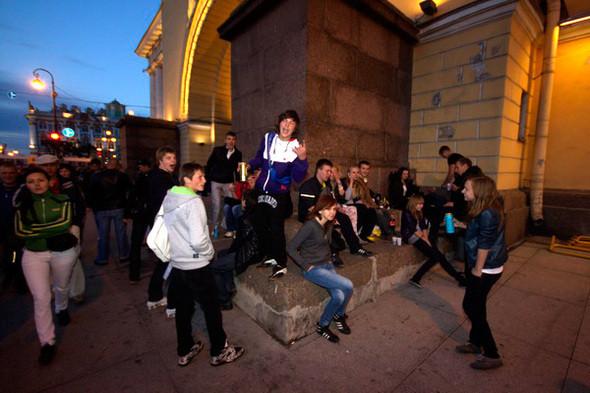 Изображение 78. Под «Алыми парусами»: сотрудники центральных баров о ночи выпускников.. Изображение № 42.
