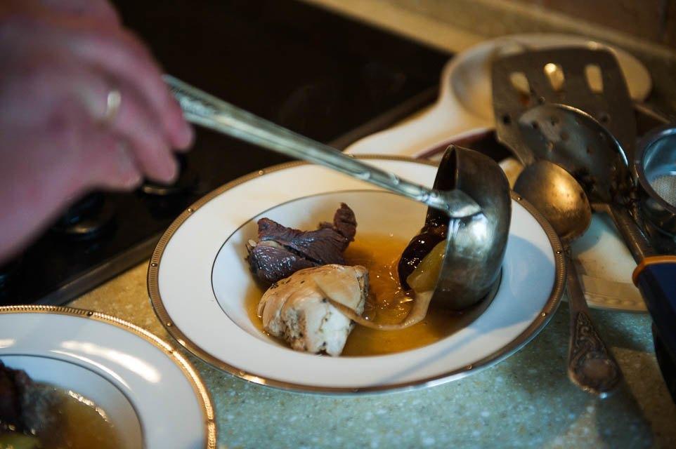Кто изачем устраивает домашние званые ужины иобеды вМоскве. Изображение № 65.