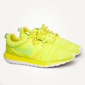 Туфли Acne, футболка Raf Simons, кроссовки Nike. Изображение № 3.