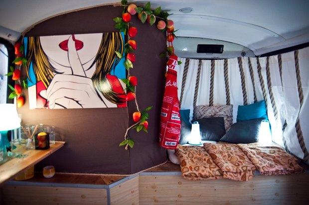 Водворе кластера «Архитектор» открылся кафе-бар вавтобусе . Изображение № 3.