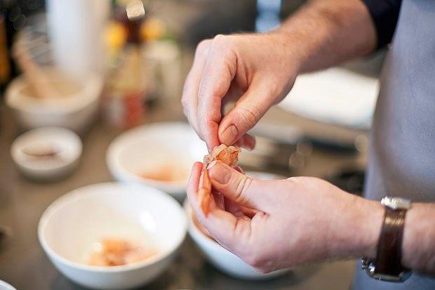 Шеф дома: Том ям и сашими из тунца Геннадия Иозефавичуса. Изображение № 11.