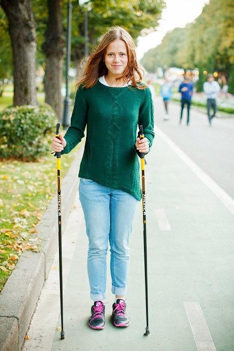 Люди в городе: Кто занимается скандинавской ходьбой. Изображение № 14.