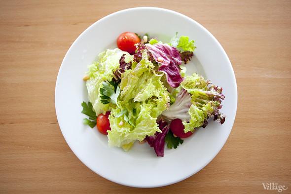 Свежий зеленый салат (150 рублей). Изображение № 22.