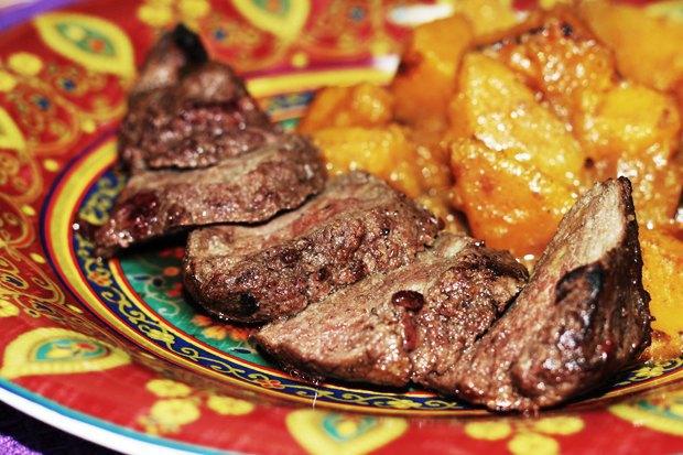 Маринованная говядина с клюквой и тыква с карри. Изображение № 2.