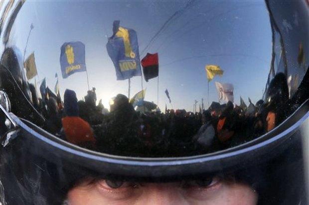 Работа со вспышкой: Фотографы — о съёмке на «Евромайдане». Изображение № 13.