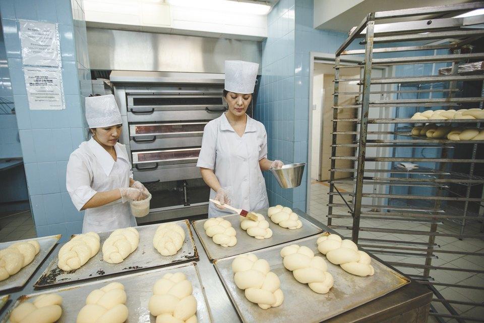 Производственный процесс: Как готовят кошерный хлеб. Изображение № 35.