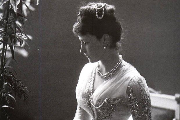 Этим вечером: Лекция о Берии, книга о моде царской эпохи и два кинопоказа. Изображение № 1.