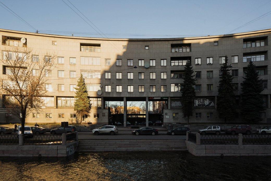 Яживу вдоме Ленсовета наКарповке (Петербург). Изображение № 3.