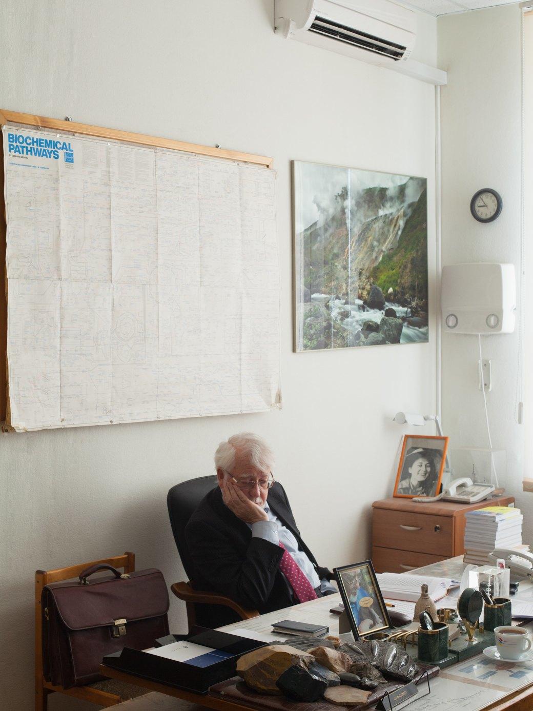 «Болезнь, которую можно лечить»: Владимир Скулачёв—о лекарстве от старости. Изображение № 4.