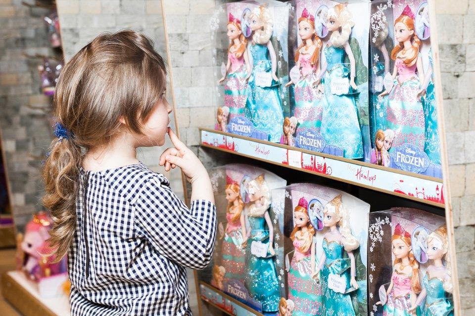 Эксперимент: Что купят на 5000 рублей дети и взрослые в самом большом детском магазине. Изображение № 32.