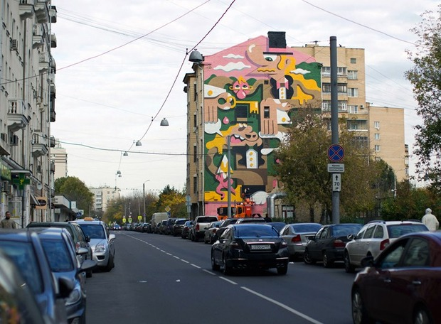 В Астраханском переулке разрисовали дом. Изображение № 1.