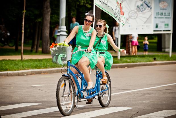 Люди в городе: Участницы парада «Леди на велосипеде». Изображение № 13.