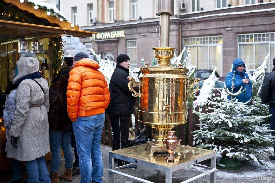 Фоторепортаж: Новогодние ярмарки в центре Москвы. Изображение № 7.