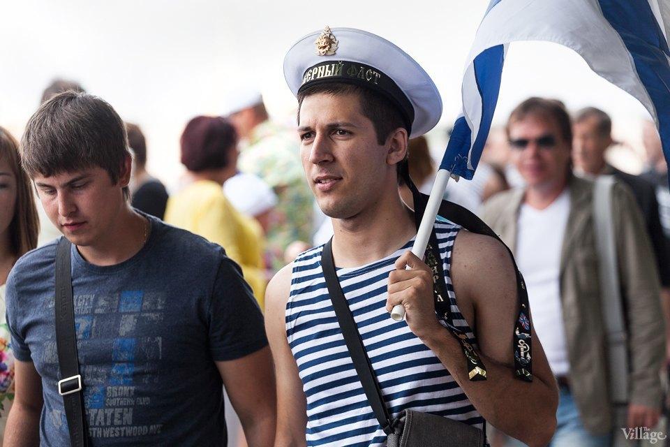 Фоторепортаж: День Военно-Морского флота вПетербурге. Изображение № 11.