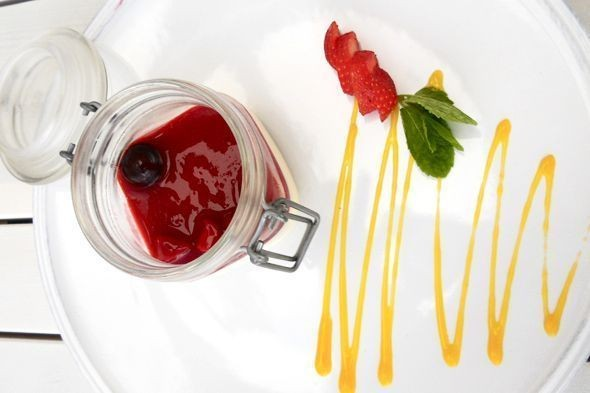 Панакота с ягодами — 340 рублей. Изображение № 5.