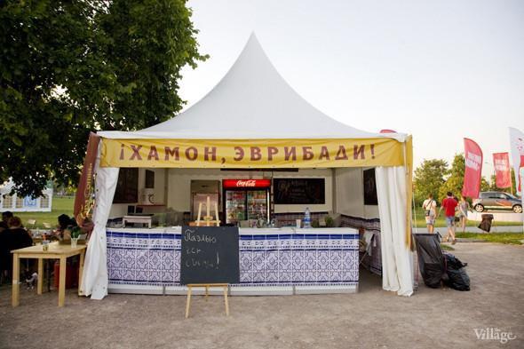 Шатер испанского ресторана Tapa De Comida — хамон, гаспачо и лимонады. Изображение № 67.