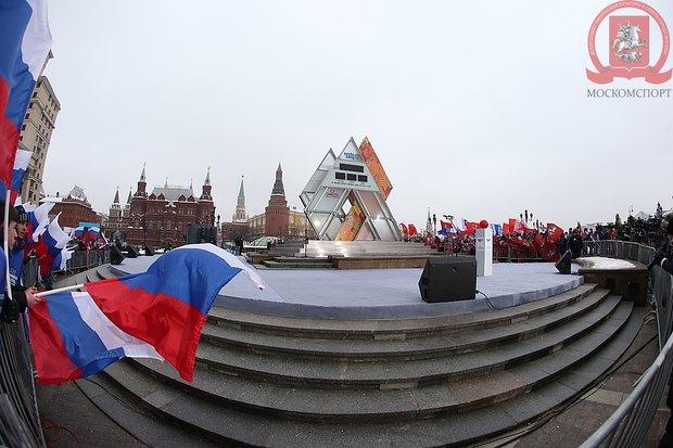 На Манежной площади запустили «олимпийские часы». Изображение № 1.