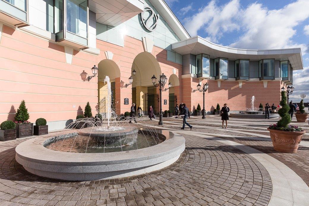 Как выглядит новый аутлет-центр наПулковском шоссе. Изображение № 1.