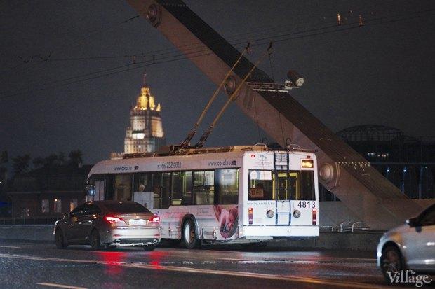 Фото дня: Первые ночные автобусы и троллейбусы в Москве. Изображение № 11.