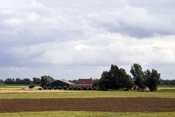 Изображение 3. Европа из окна поезда.. Изображение № 3.