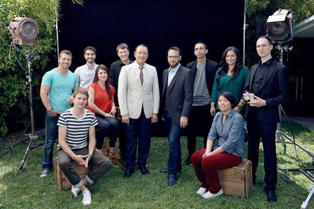 Кевин Спейси с Дэной  Брунетти («Триггер Стрит») и всеми победителями Jameson First Shot. Изображение № 1.
