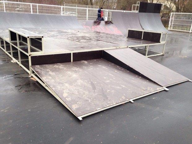 Опасный для здоровья скейтпарк вПушкине отказались принимать после жалобы спортсменов. Изображение № 2.