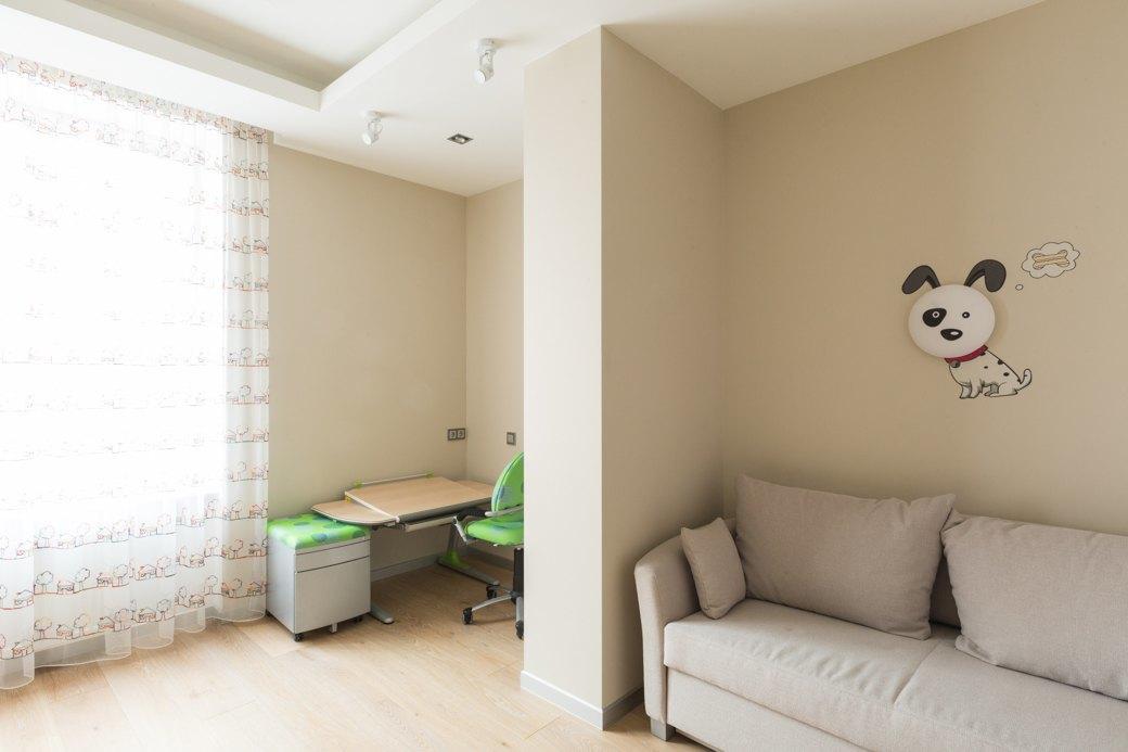 Большая квартира сострогим интерьером в«Парадном квартале» (Петербург). Изображение № 19.