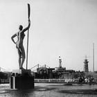 В парке Горького начали строить самый большой каток в Москве. Изображение № 21.