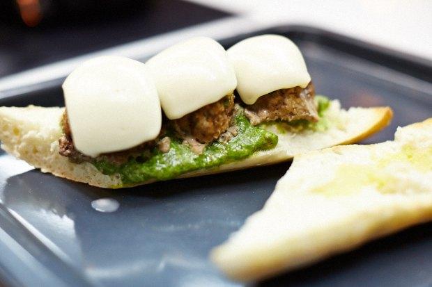 Шеф дома: Смэш-бургер и хиро-сэндвич Федора Тардатьяна. Изображение № 58.