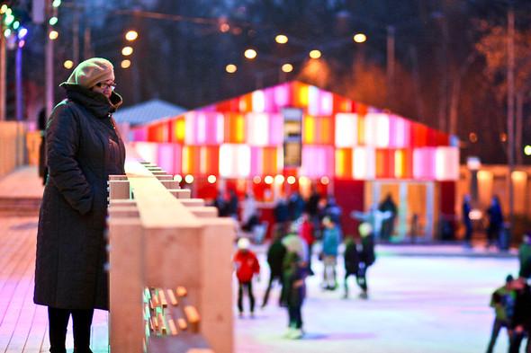 Бегущий на лезвиях: Первые посетители катка в парке Горького. Изображение № 5.